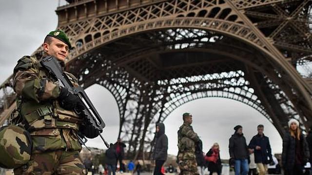 2015-01-20_Francia_ Francia se enfrenta a una prueba de fuego en materia de libertad de expresión tras las decenas de detenciones a raíz de los ataques