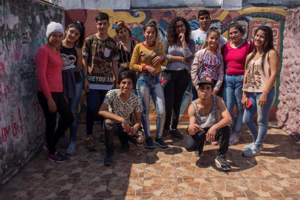 Miembros del grupo juvenil organizado por Amnistía Internacional Argentina y ANDHES en Tucumán (Argentina). © Fernanda Rotondo
